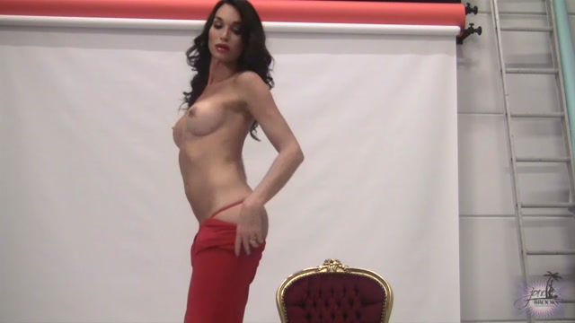 JonelleBrooks_presents_Jonelle_Brooks_in_BTS_of_Red_Chair_-_23.03.2017.mp4.00007.jpg
