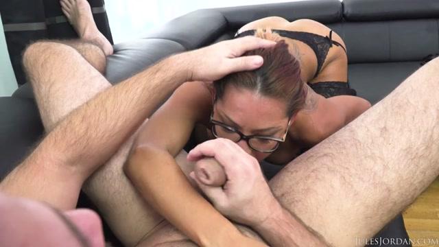 Watch Online Porn – JulesJordan presents Rose Valeries French Ass Gets Wrecke – 08.03.2017 (MP4, SD, 992×558)