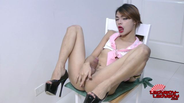 Ladyboy-ladyboy_presents_Naughty_Pussycat_Ready_To_Play__-_17.03.2017.mp4.00013.jpg