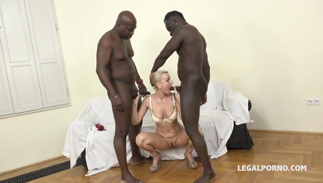 LegalPorno_presents_Iskra_kinky_cougar_discovers_black_feeling_and_enjoys_two_cocks_in_the_ass_IV054_-_24.03.2017.mp4.00003.jpg