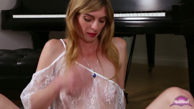Mandy-mitchell_presents_Mandy_Mitchell_in_Mandys_Jacking_Off_in_C_m_-_03.03.2017.mp4.00005.jpg