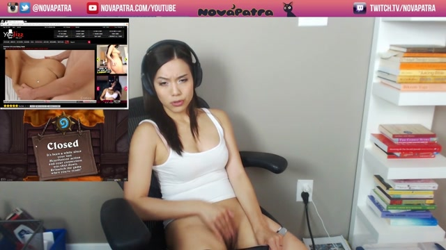 girl faps on stream