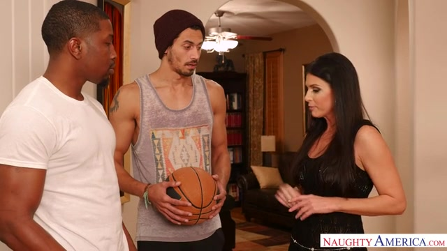 Watch Online Porn – NaughtyAmerica – SeducedByACougar presents India Summer in 22429 – 06.03.2017 (MP4, SD, 640×360)