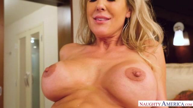 Watch Online Porn – NaughtyAmerica – SeducedByACougar presents Porn stars: Brandi Love , Lucas Frost 22475 – 16.03.2017 (MP4, SD, 640×360)