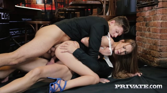 Watch Online Porn – Private presents Alexis Crystal in And Two Hung Waiters Have a DP Trio in a Bar – 25.03.2017 (MP4, FullHD, 1920×1080)