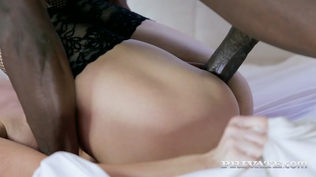 Private_presents_Nika_in_Milf_Nika_Discovers_BBC_-_06.03.2017.mp4.00014.jpg