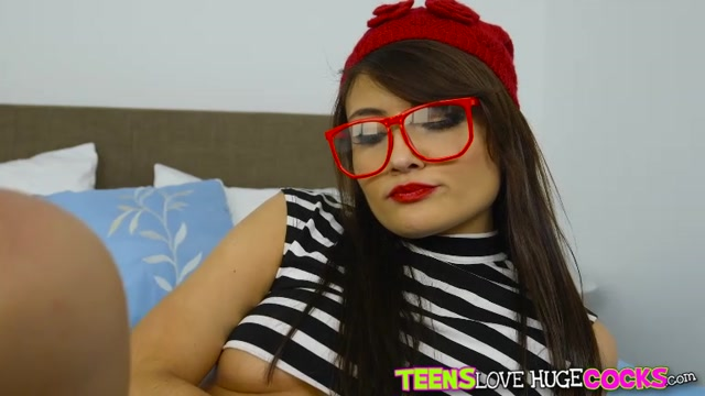 Watch Online Porn – RealityKings – TeensLoveHugeCocks presents Adria Rae in Pussy Treat – 11.03.2017 (MP4, SD, 768×432)