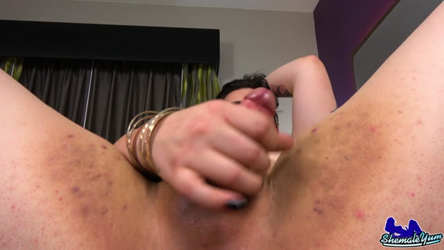 Shemaleyum_presents_Ryhan_Rose_Cums_For_You__-_20.03.2017.mp4.00012.jpg