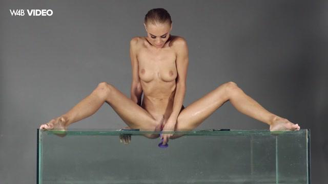 Watch Online Porn – Watch4Beauty presents Nancy A in AquarIIum – 20.02.2017 (MP4, FullHD, 1920×1080)