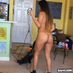 BangBros – MyDirtyMaid presents Nicole Rey in Cleaning Up With Nicole – 19.03.2017