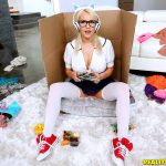 RealityKings – BigNaturals presents Kylie Page in Extreme Gamer Girl – 15.03.2017