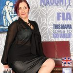 Mature.nl presents Fia (EU) (47) in British housewife fingering herself – 06.04.2017