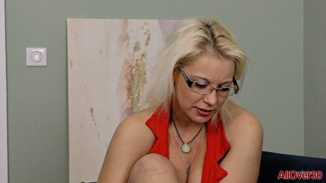 Watch Online Porn – AllOver30 presents Luba Love 30 years old Interview – 21.04.2017 (MP4, FullHD, 1920×1080)