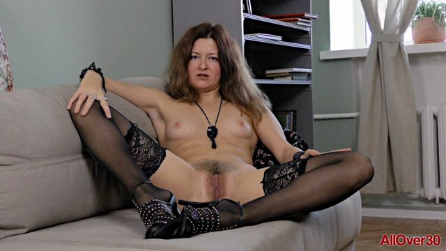 Allover30_presents_Helen_Volga_42_years_old_Interview_-_26.04.2017.mp4.00015.jpg