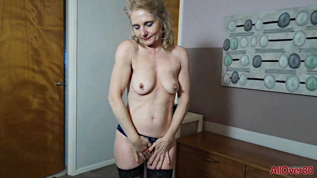 Watch Online Porn – Allover30 presents Isabella B 48 years old Mature Pleasure – 25.04.2017 (MP4, FullHD, 1920×1080)