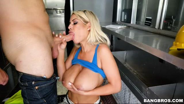 Watch Online Porn – BangBros.com – BigTitsRoundAsses presents Bridgette B Serves A Pair Of Huge Tits – 27.04.2017 (MP4, SD, 852×480)