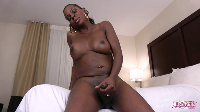 Black-tgirls_presents_Amber_Strokes_And_Cums__-_28.04.2017.mp4.00013.jpg
