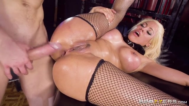 Brazzers_-_BigWetButts_presents_Luna_Star_in_Taming_The_Wild_Wet_Butt_-_28.04.2017.mp4.00012.jpg