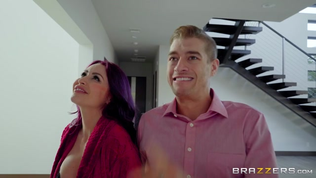 Watch Online Porn – Brazzers – MilfsLikeItBig presents Monique Alexander in The Mother of All Seductions – 16.04.2017 (MP4, SD, 854×480)