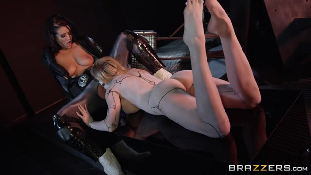Brazzers_-_ZZSeries_presents_Jessa_Rhodes___Katrina_Jade_in_Power_Bangers__A_XXX_Parody_Part_2_-_28.04.2017.mp4.00010.jpg