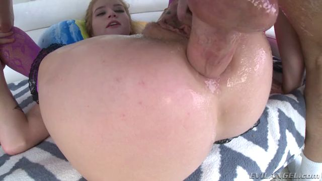 EvilAngel_presents_Arya_Fae_in_Aryas_Asshole_Pounded_To_Gaping.mp4.00015.jpg