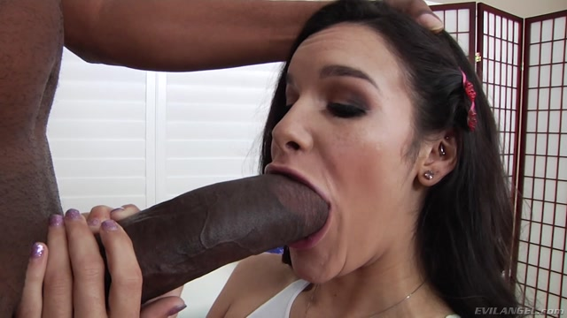 Watch Online Porn – EvilAngel presents Eden Sin in Edens Interracial Anal Destruction – 04.04.2017 (MP4, FullHD, 1920×1080)