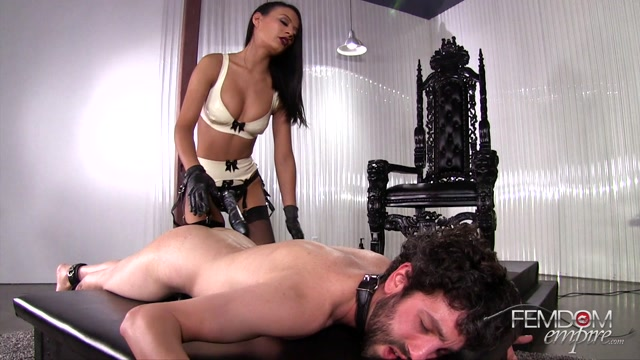 FemdomEmpire_presents_Pocket_Tease_in_So_Deep_-_25.04.2017.mp4.00015.jpg