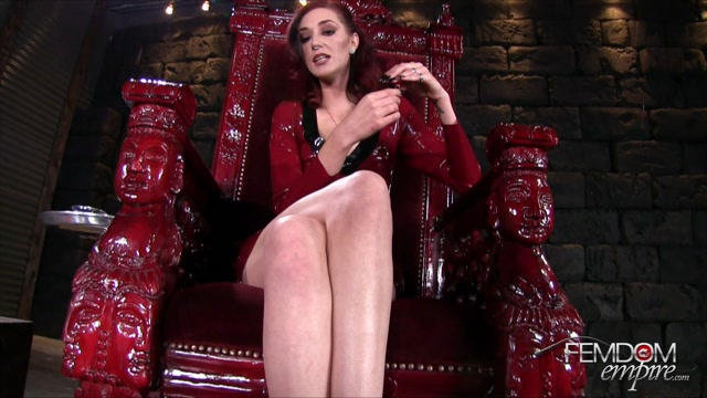 FemdomEmpire_presents_Sablique_Von_Lux_in_Intoxxxicating_Sniff_-_30.04.2017.mp4.00013.jpg