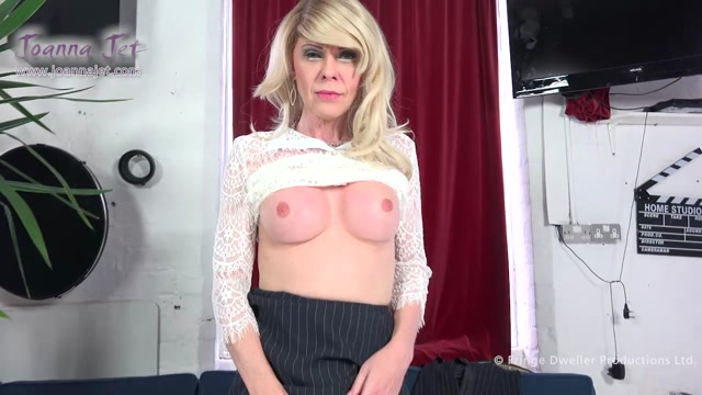 JoannaJet_presents_Joanna_Jet_in_Me_and_You_252_-_Serious_Business_-_28.04.2017.mp4.00005.jpg