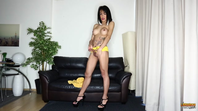 Ladyboy.xxx_presents_Catty_Shows_Off_Legs_And_Cock__-_28.04.2017.mp4.00003.jpg