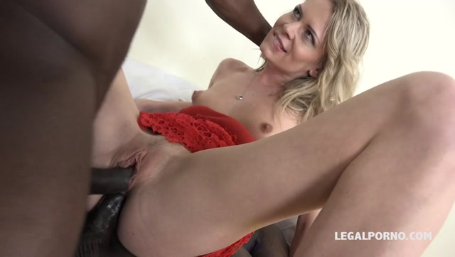 LegalPorno_presents_Claudia_Mac_learns_quickly_how_to_take_two_big_black_cocks_IV057_-_31.03.2017.mp4.00013.jpg