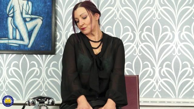 Watch Online Porn – Mature.nl presents Fia (EU) (47) in British housewife fingering herself – 06.04.2017 (MP4, FullHD, 1920×1080)