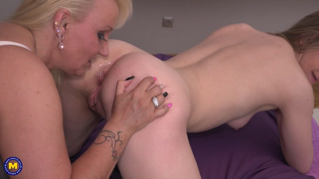 Mature.nl_presents_Karis__19___Kitty_Wilder__EU___41__in_2_old_and_young_lesbians_playing_with_eachother.mp4.00009.jpg