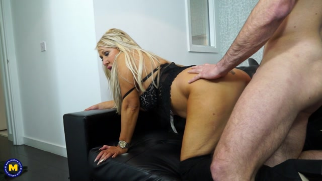 Watch Online Porn – Mature.nl presents Miss Makepeace (EU) (48) in hot housewife fucking and sucking (MP4, FullHD, 1920×1080)