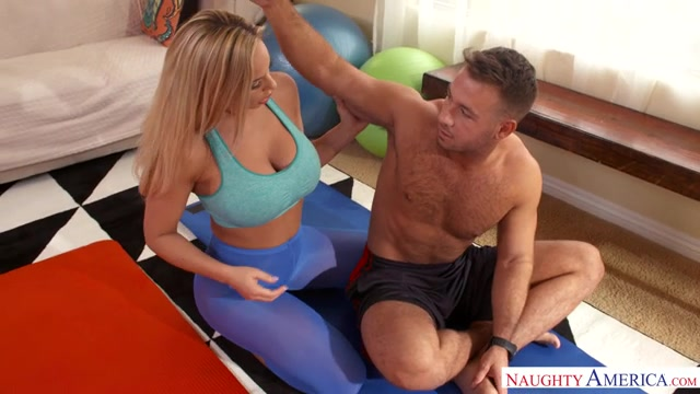 Watch Online Porn – NaughtyAmerica – SeducedByACougar presents Porn stars: Olivia Austin , Chad White 22651 – 29.04.2017 (MP4, SD, 640×360)