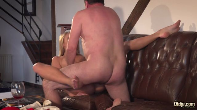 Oldje_presents_Oldje_590_Ivana_Sugar_in_Begging_for_Sex.mp4.00012.jpg