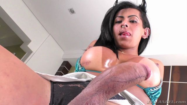 The_Trans_X-Perience__06_presents_Isabelly_Ferreira.mp4.00008.jpg
