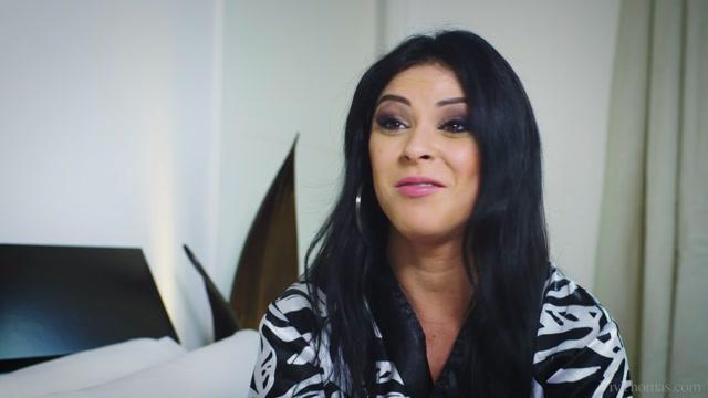Watch Online Porn – VivThomas presents Inna Innaki in Behind The Scenes: Inna Innaki On Location – 17.04.2017 (MP4, FullHD, 1920×1080)