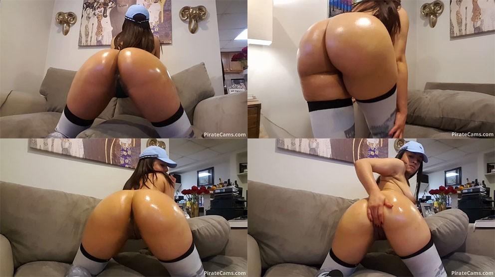 1_ManyVids_Webcams_Video_presents_Girl_RosLebeau_in_Oily_Booty_Twerking.jpg