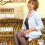 Mature.nl presents Danny (61) in horny housewife playing with herself – 30.05.2017
