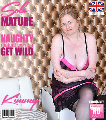1_Mature.nl_presents_Kimmy__EU___44__in_British_curvy_housewife_playing_with_herself_-_24.05.2017.jpg