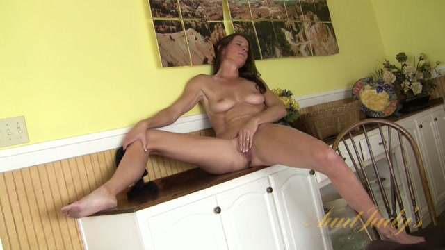 Watch Online Porn – Auntjudys presents Sofie Marie (MP4, FullHD, 1920×1080)
