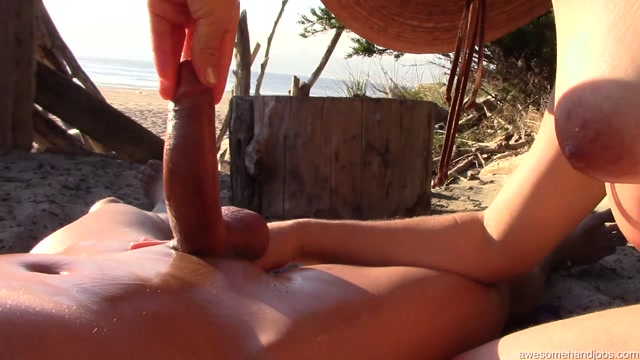 Watch Online Porn – AwesomeHandjobs presents Quickie at the Beach (MP4, FullHD, 1920×1080)
