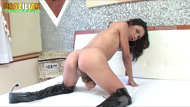 Brazilian-transsexuals_presents_Pretty_Debora_Mendes_Strokes__Remastered.mp4.00013.jpg
