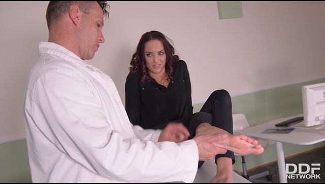 DDFNetwork_-_HotLegsAndFeet_presents_Demetris_aka_Lyen_Parker_in_Foot_Fetish_Ecstasy__Horny_Doc_Sucks_Hot_Babes_Yummy_Toes_-_30.05.2017.mp4.00000.jpg