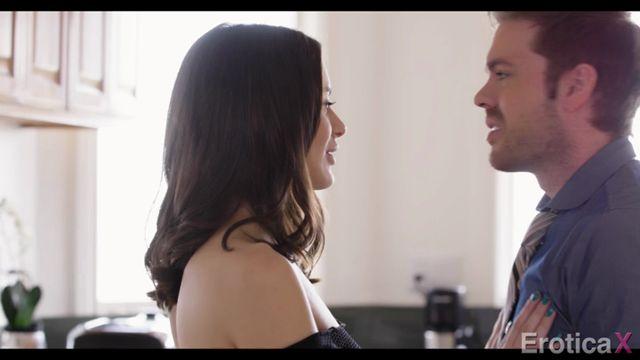 Watch Online Porn – EroticaX presents Lana Rhoades in Salt & Pepper – 26.05.2017 (MP4, SD, 720×400)