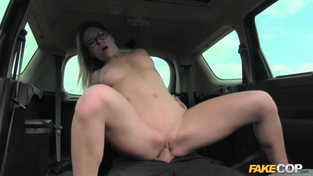 FakeHub_-_FakeCop_presents_Vera_Wonder_in_Unregistered_Driver_Creampied_by_Cop_-_22.05.2017.mp4.00011.jpg