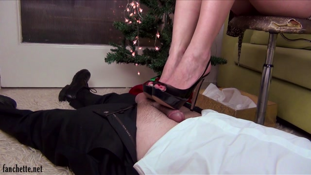 Fanchette_presents_Chronicles_of_Mlle_Fanchette_-_Cadeau_de_Noel.mp4.00007.jpg