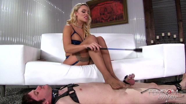 Watch Online Porn – FemdomEmpire presents Alexis Monroe in Stinky Stripper feet – 04.05.2017 (MP4, FullHD, 1920×1080)