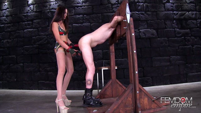 FemdomEmpire_presents_Ariana_Marie_in_Fucked___Humbled_-_29.05.2017.mp4.00005.jpg